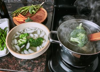 ice bath vegetables and steaming vegetables for blanching